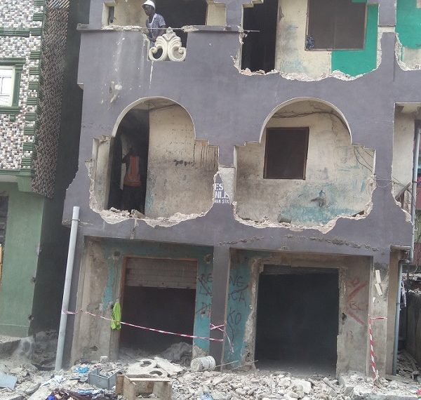Lagos: Govt begins demolition of defective buildings