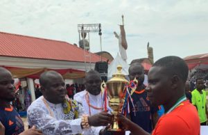 PHOTO NEWS: Yankee FC receives Amaseikumor Tournament's trophy