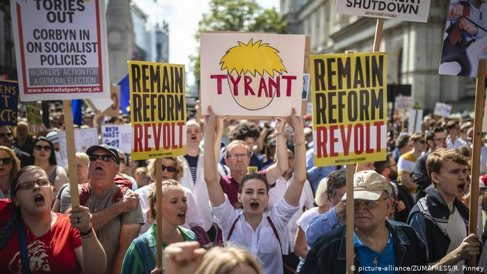 UK: Suspension of Parliament sparks nationwide protests