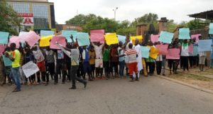 APC: Security tightened as protesters call for Oshiomhole's removal