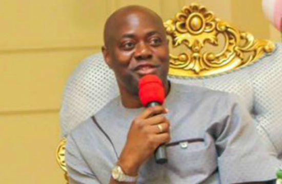 Oyo: Makinde issues digitised C of Os to first set of beneficiaries