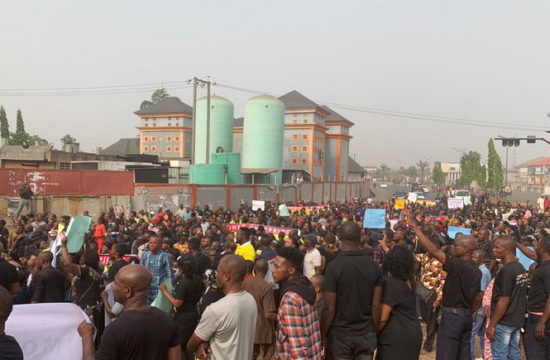 Imo: Protesters take to streets over removal of Ihedioha as governor