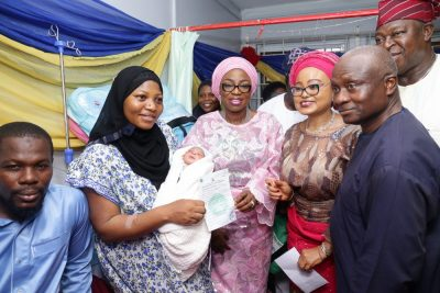Sanwo-Olu welcomes, presents gifts to first babies of the year