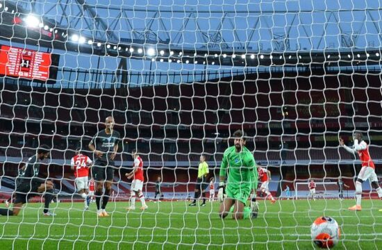 Liverpool's hopes of record points haul end after loss to Arsenal